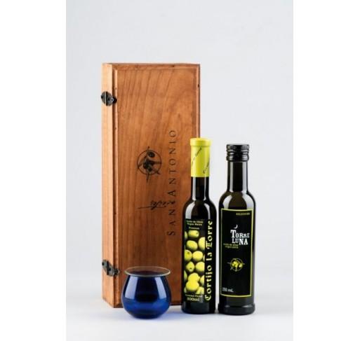 Cortijo la Torre y Torreluna en estuche de madera 200 + 250 ml variedad picual. Con copa de Cata.