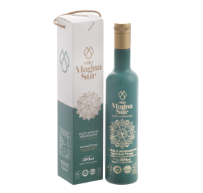 EVOO Magnasur. Athenea case, 500 ml bottle.